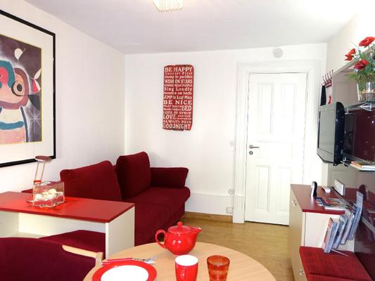 zimmer red wohnen auf zeit in hamburg 107136 zimmer. Black Bedroom Furniture Sets. Home Design Ideas