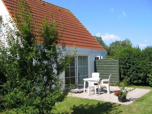ferienhaus haus am maisfeld ferienhaus wyk 107970. Black Bedroom Furniture Sets. Home Design Ideas