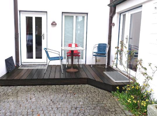zimmer blue wohnen auf zeit in hamburg zimmer hamburg 107134. Black Bedroom Furniture Sets. Home Design Ideas