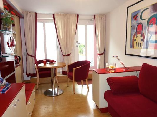zimmer red wohnen auf zeit in hamburg zimmer hamburg 107136. Black Bedroom Furniture Sets. Home Design Ideas