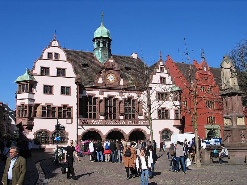 Neues Rathaus in Freiburg