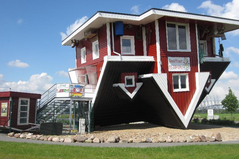 Im verrückten Haus in Bispingen steht alles auf dem Kopf