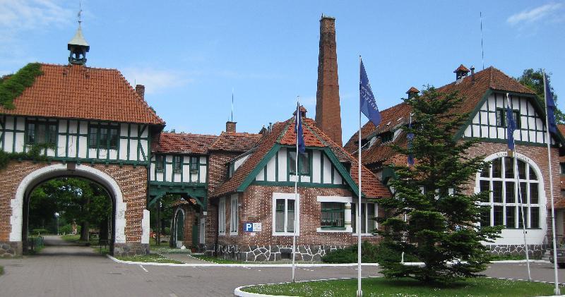 Kadyny - dawna cegielnia, obecnie hotel