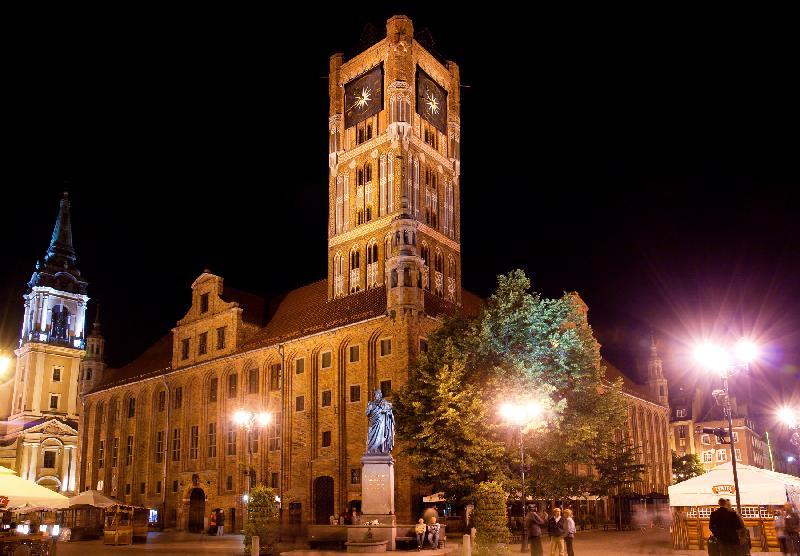 Thorn - Rathaus bei Nacht