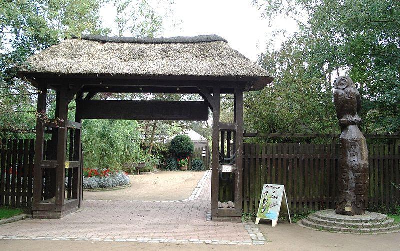 Eingang zum Vogelpark in Niendorf