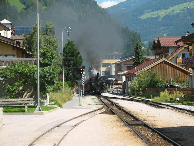 Alte Dampflok im Zillertal