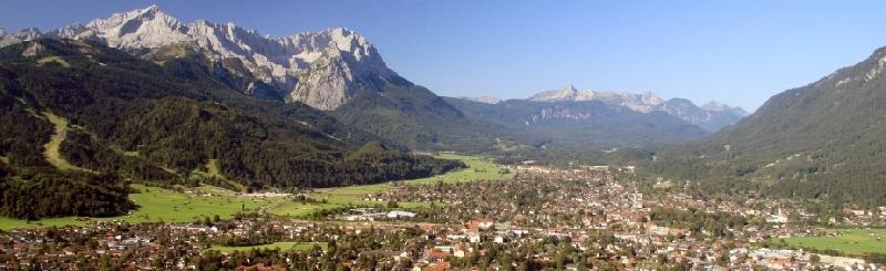 Blick über Garmisch-Partenkirchen