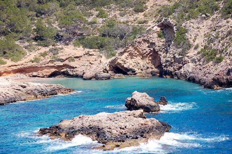 Eine Bucht auf Ibiza