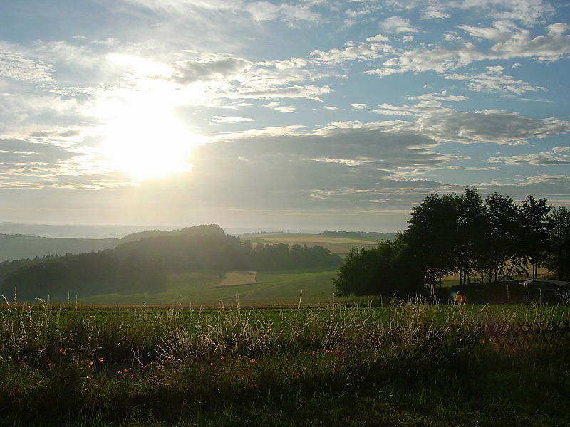 Eifel Landschaft bei Sonnenaufgang