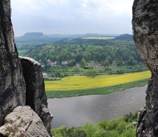 Blick von der Sächsischen Schweiz auf die Elbe