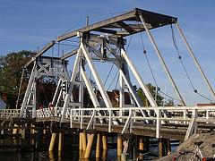 Holzklappbrücke im Ortsteil Wieck