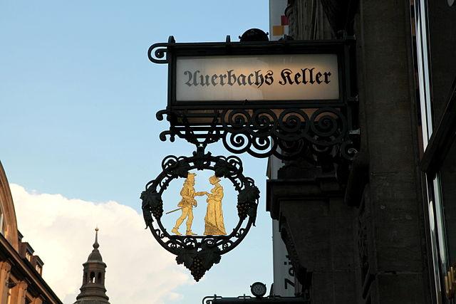 Eingangsschild Auerbachs Keller