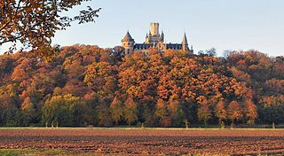 Schloss Marienburg im Herbst