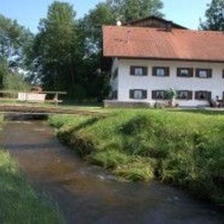 Roßhaupten-Sameister, große Ferienwohnung für 2-10 Pers., auf einem Bauernhof mit Angel- und Badesee - Roßhaupten