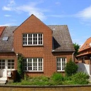 Ferienwohnung mit Liegewiese und Innenhof - Petersdorf