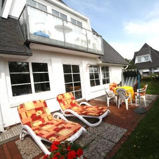 Landhaus Blum, Süderstr. 49, schöne Wohnung Nr. 8 mit Südbalkon - Westerland