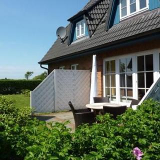 ferienhaus wohnen auf dem lande ht 6 107916 ferienhaus oldsum. Black Bedroom Furniture Sets. Home Design Ideas