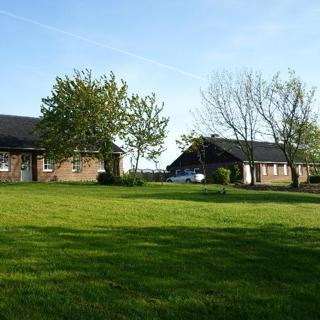 Haus Tholendorf - erhöhte, sonnige, ruhige Lage - Tating