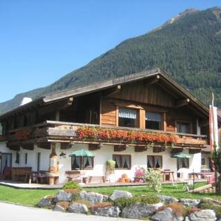 Landsitz im Reitle - Ferienwohnung Strauss - Oberlängenfeld