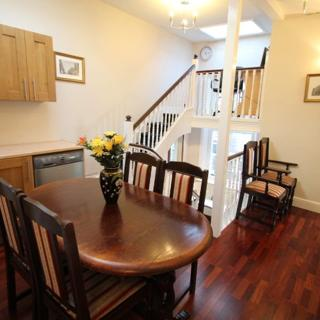 Casteltown House: 3 bed self-catering - London