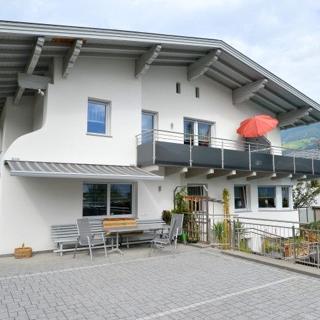 Haus Ebster - Ferienwohnung 2 - Uderns