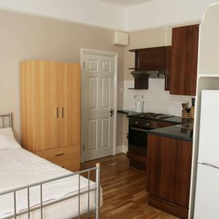 Studio to rent in London, zone 2  (#S2) - London