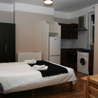Studio to rent in London, zone 2  (#S5) - London