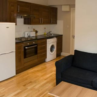 Rent a 1 bedroom flat in London (#S6) - London