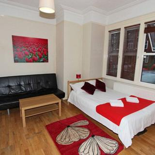 Large studio to rent in London, Willesden Green (#SG1) - London