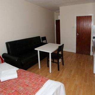 Budget accommodation for short term in Willesden Green area (#205.3) - London