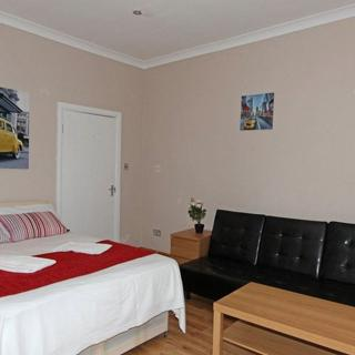 Lovele self catered apartment in Swiss Cottage area for short let. (#FR3) - London