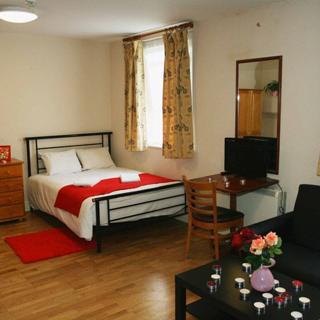 SHORT STAY Furnished Studio for 3-4 people in Bayswater. Ideal Business or Holiday Rentals (#IN11) - London