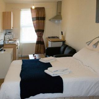 Compact studio flat  suitable for 2 people in Kilburn area. (#KB4) - London
