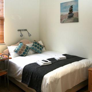 Cheap short let accommodation in Willesden Junction , London (#OM1) - London