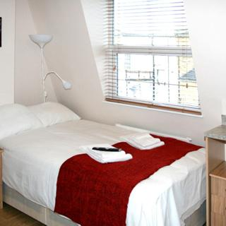 Affordable price accommodation for 2 people for short term  in Willesden Junction (#OM4) - London