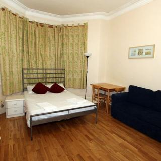 Large self contained apartment in London, Willesden Green area. (#P1) - London