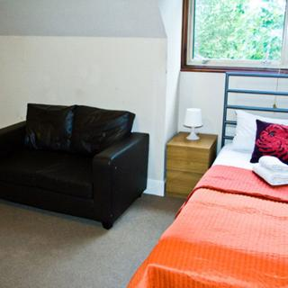Short term accommodation for holiday in Willesden Green area. (#P8) - London