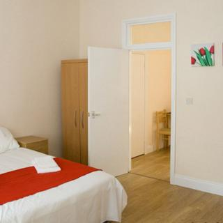 Budget accommodation for family holiday in London, Willesden Junction (#T1) - London