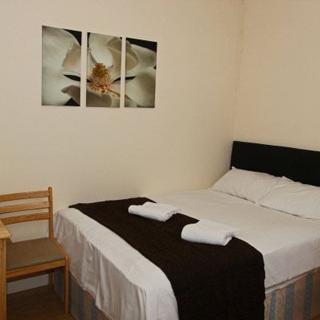 Reasonable price for holiday in London, Willesden Junction area (#T3) - London