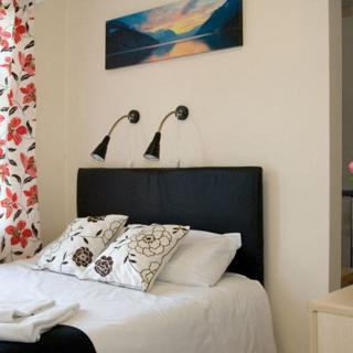 Suitable prices for short let apartments in London, Willesden Junction (#WJE) - London