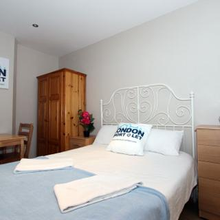 Accommodation for short stay in London, Willesden Green (#ML3) - London