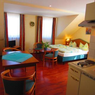 """""""Yacht-classic"""" für 2-4 Pers. Komfort-Appartement in der """"KYP Yachthafen Residenz"""" - Wiek"""