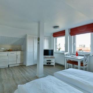 Schönes Appartement Nr. 11 in strandnaher Lage - Bäderstil-Villa in Wenningstedt/Sylt - Wenningstedt