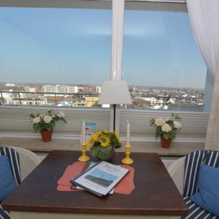 Haus am Meer - direkt am Strand -Penthouse- mit sonnigem Frühstücksbalkon mit Blick über die Stadt - 1 Zi. - Westerland