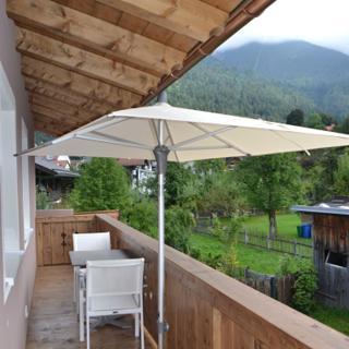Haus  Rosengarten Wohnung Rosenrot - Garmisch-Partenkirchen