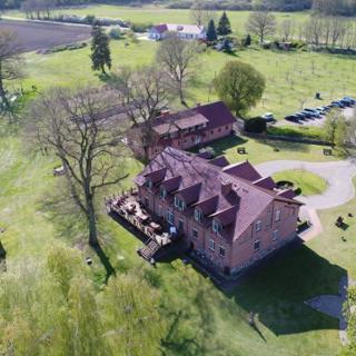 Einfach schön - Landhaus Dittrich - Alleinlage mit eingezäuntem Grundstück! - Settin