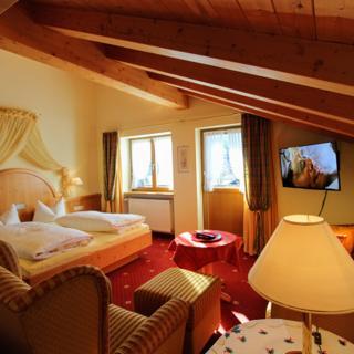 Pension Gatterhof - Ferienwohnung Nr. 16 mit Balkon und Panoramaaussicht - Riezlern