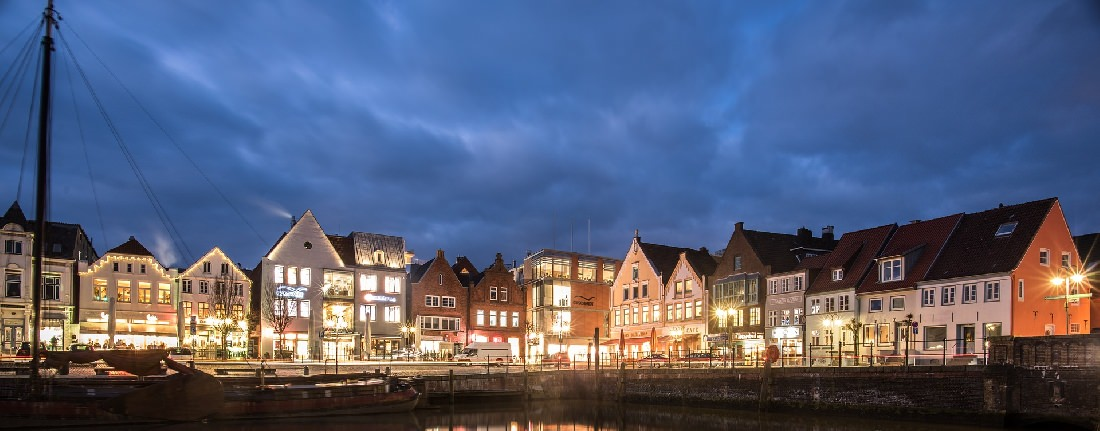Urlaub in Husum: Romantische Altstadt am Hafen von Husum