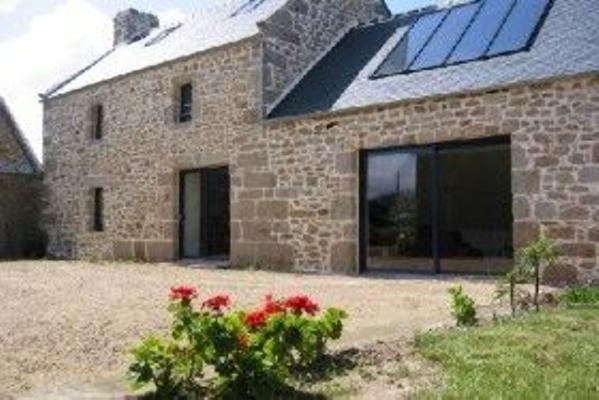 Maison en pierre entièrement rénovée sur un terrain de 3500 ...