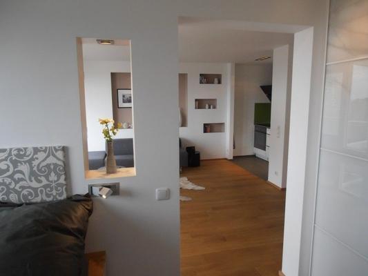 wohnen auf zeit in exklusivem apartment mit elb. Black Bedroom Furniture Sets. Home Design Ideas